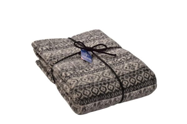 Wool Blanket Lækur: Icelandic wool blanket with black, white and gray all over pattern in traditional Icelandic style