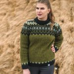 Sweater Þing: Green sweater with black and white pattern