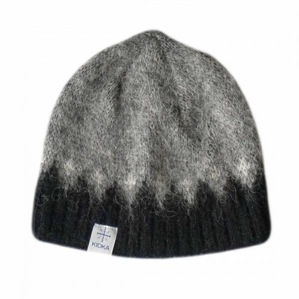 Grey wool cap Fjall with black and white pattern. Cottonlining.