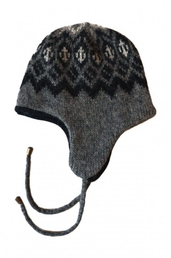 Wool Cap Þing in grey with black and white traditional pattern, earflaps. Fleecelined.